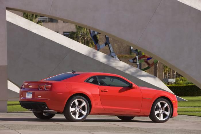 2011_Chevrolet_Camaro_23_
