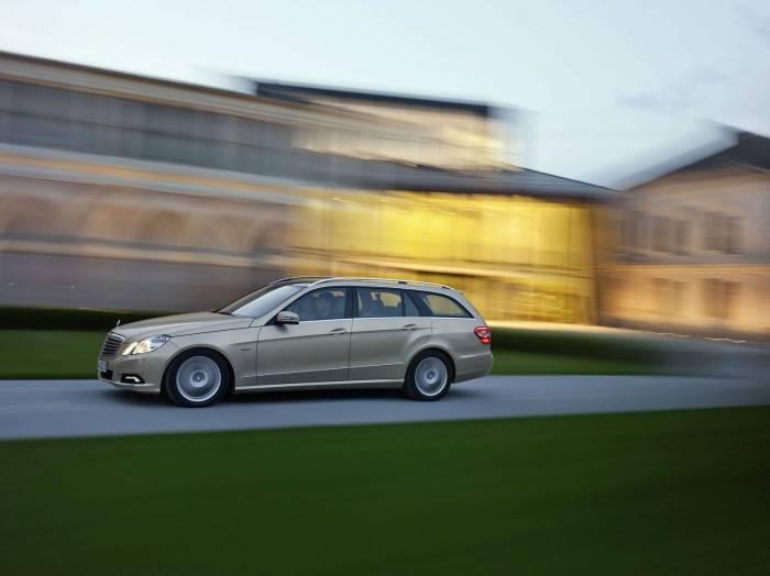 2010 Mercedes-Benz E-Class Wagon Estate Photos