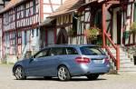 2010_Mercedes-Benz_E-Class_Wagon_Estate_-_Photos_112_.jpg