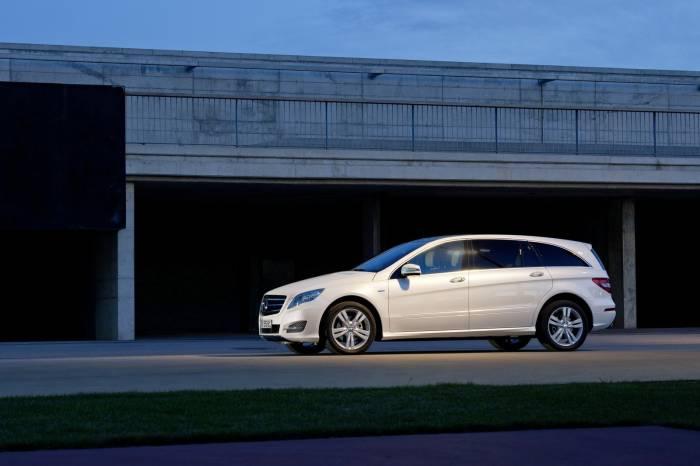 2011 Mercedes R-Class Major Facelift Photos