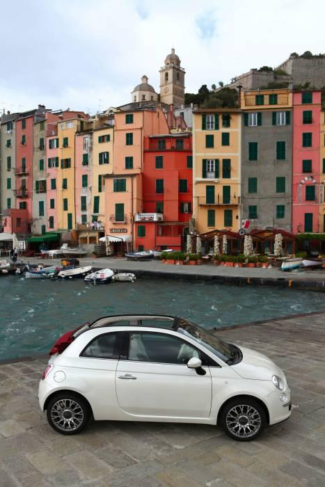 2010 Fiat 500C Photos