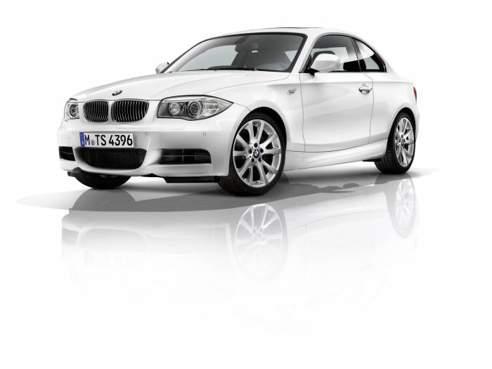 2011 BMW 1-Series facelift Photos