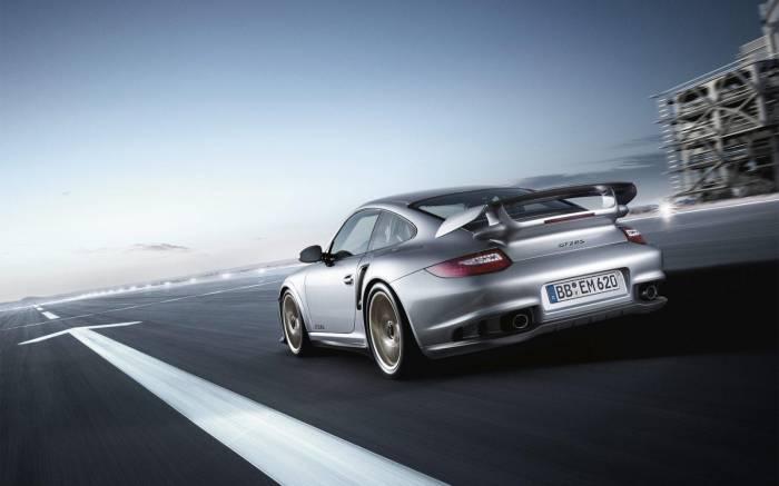 2011 Porsche 911 GT2 RS Photos