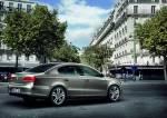 2011_Volkswagen_Passat_facelift_10_.jpg