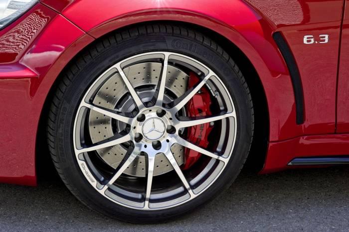 2012 Mercedes C63 AMG Black Series Photos
