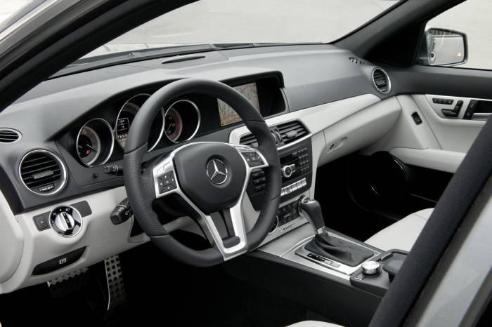 2012 Mercedes-Benz C-Class facelift Photos