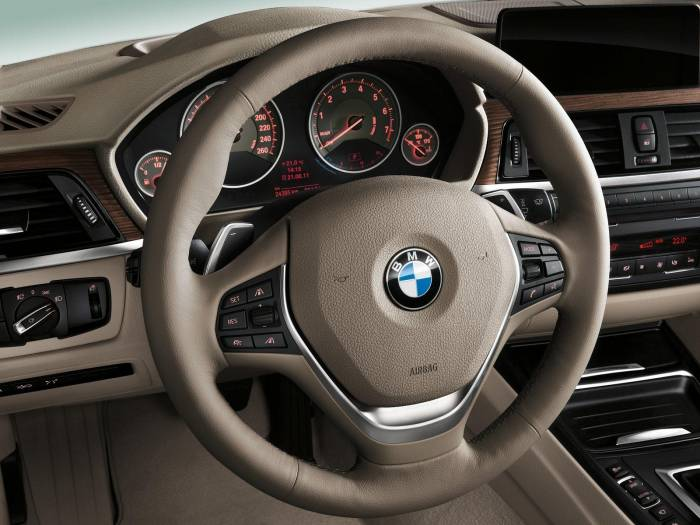 2012 BMW 3-Series (F30) Photos