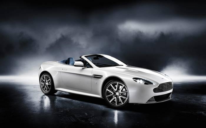 2012 Aston Martin V8 Vantage S Photos
