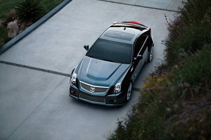 2011 Cadillac CTS-V Coupe Photos