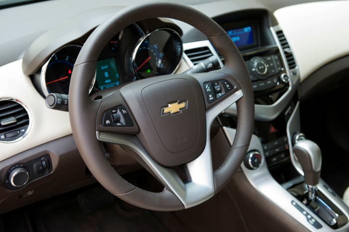 2011 Chevrolet Cruze Photos