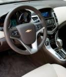 2011_Chevrolet_Cruze_161_.jpg