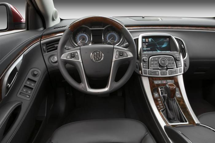 2011 Buick LaCrosse Photos