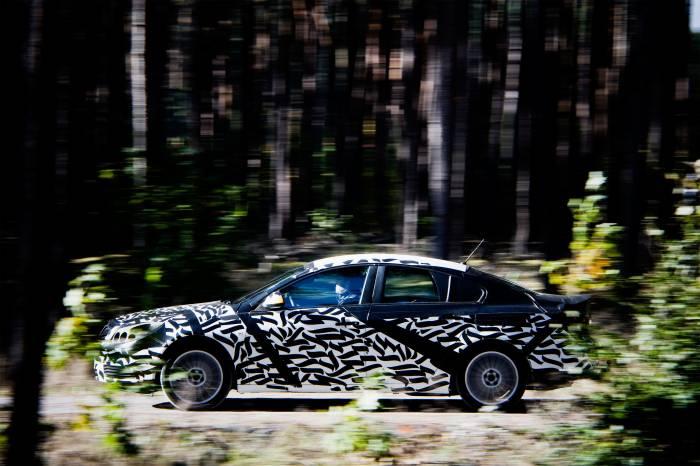 2011 Buick Regal Photos