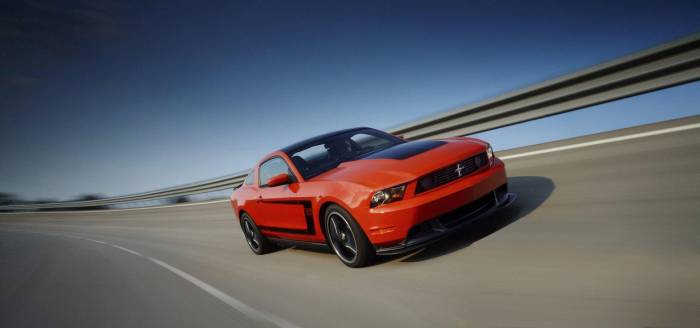 2012 Ford Mustang Boss 302 Photos