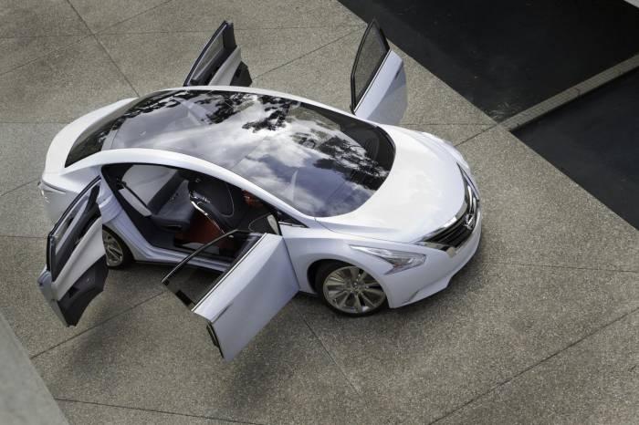 2010 Nissan Ellure Concept Photos