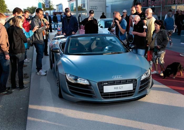 2012 Audi R8 GT Spyder Photos