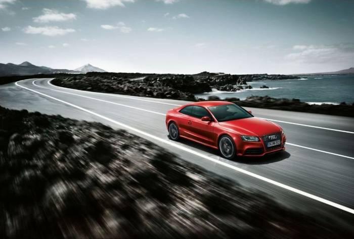 2012 Audi RS5 Photo Album Photos