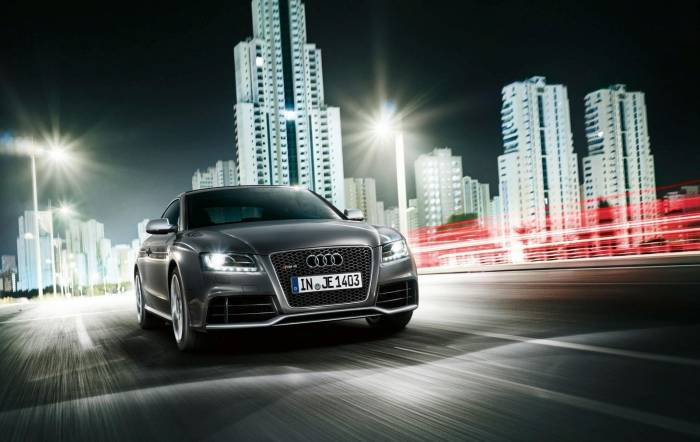 2012 Audi RS5 Photo Album Photos