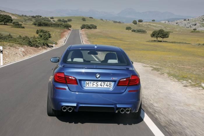 2012 BMW M5 Photos