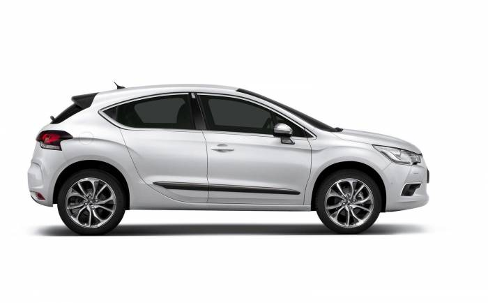 2011 Citroen DS4 Photos