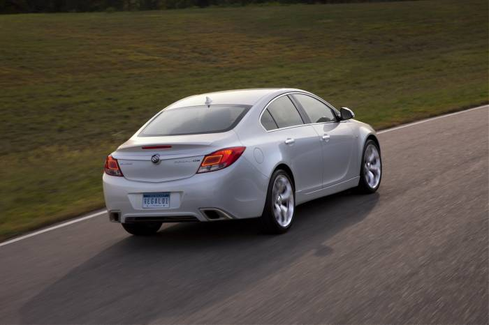 2012 Buick Regal GS Photos