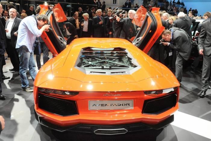 2012 Lamborghini Aventador LP700-4 Photos