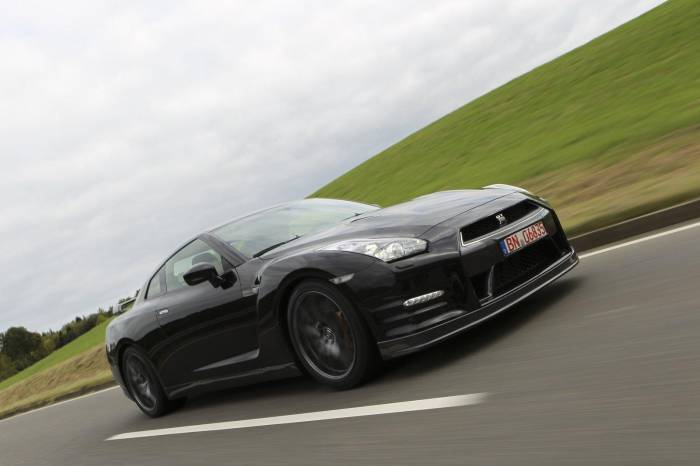 2012 Nissan GT-R Photos