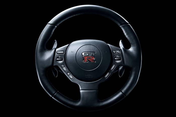 2012 Nissan GT-R facelift Photos