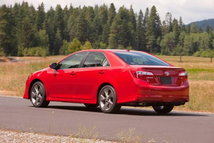 2012 Toyota Camry Photos