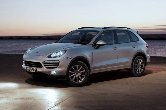 2011 Porsche Cayenne II Photos