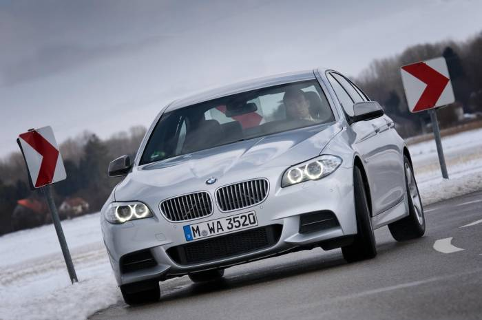 2012 BMW M550d xDrive Photos